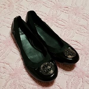 b284c9d880676 ... official tory burch shoes tory burch caroline flat black patent leather  euc 36edc 9ca8c